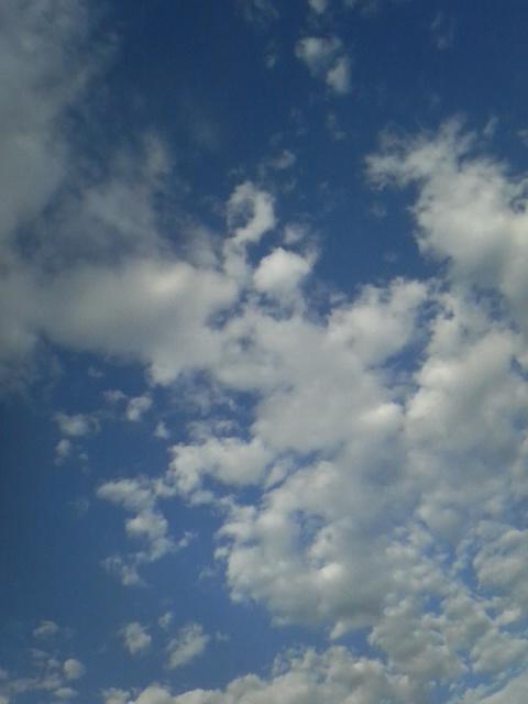 ピタゴラな空。